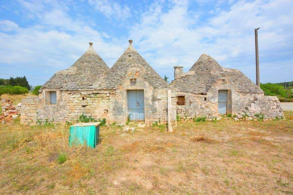 Trullo Complex for Restoration