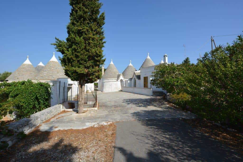 For Sale in Cisternino Complex of 14 trulli with land