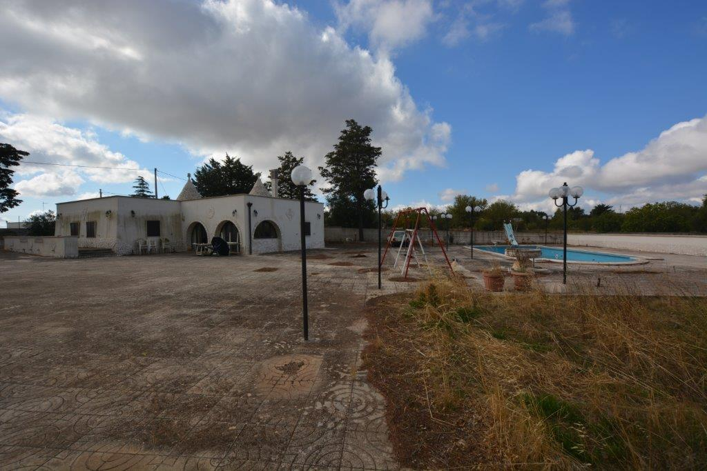 Recently Restored Trulli with pool 12 x 6m