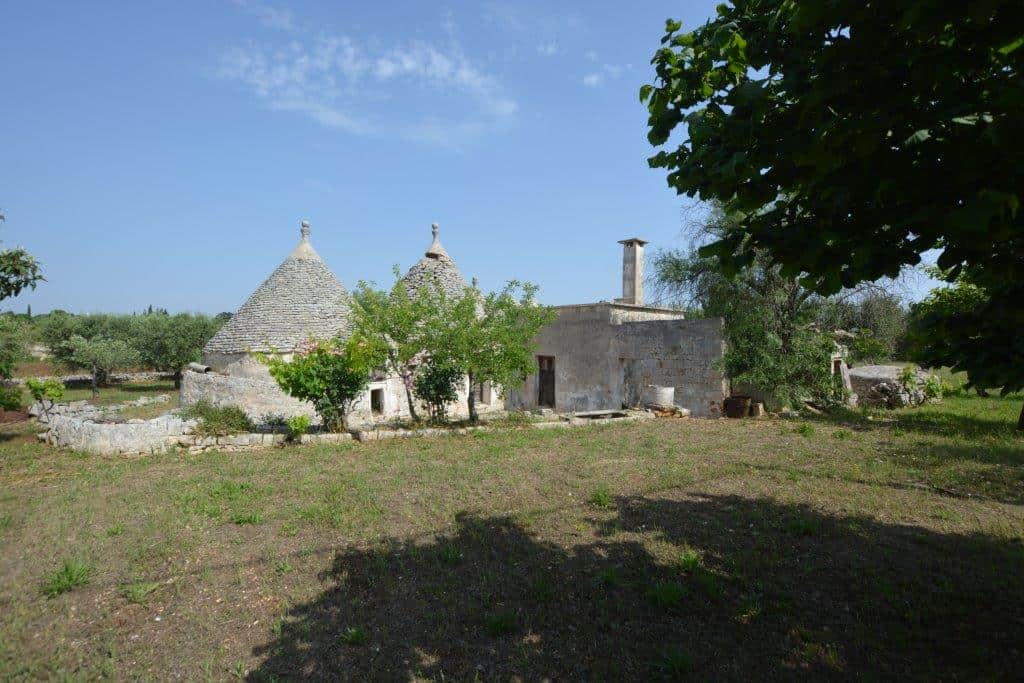 Trulli to restore with land possible to extend