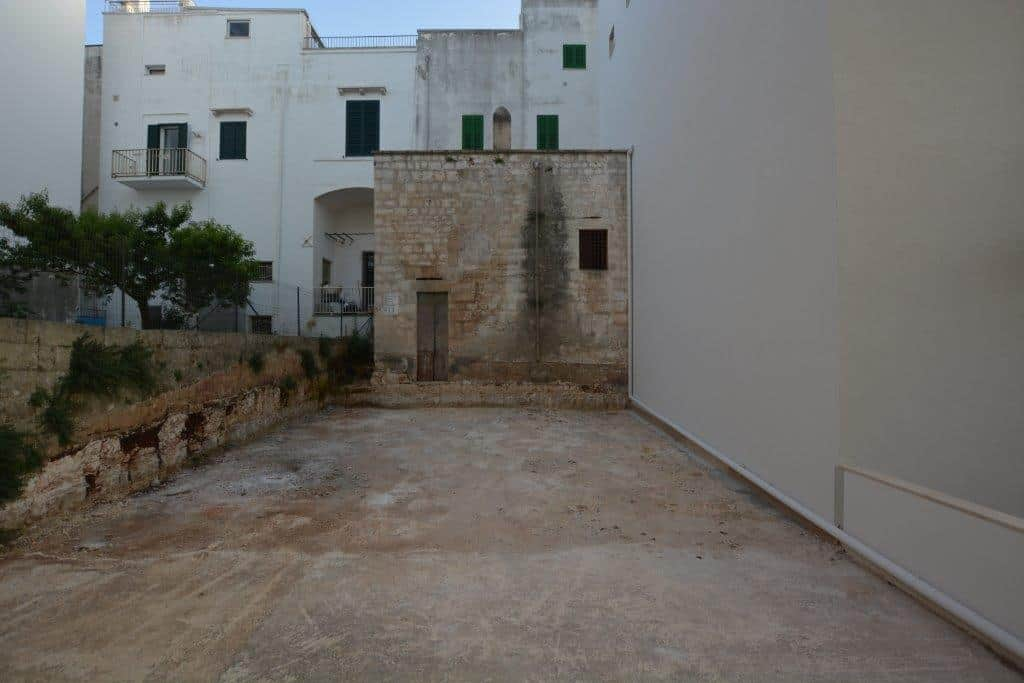 Business premises with basement
