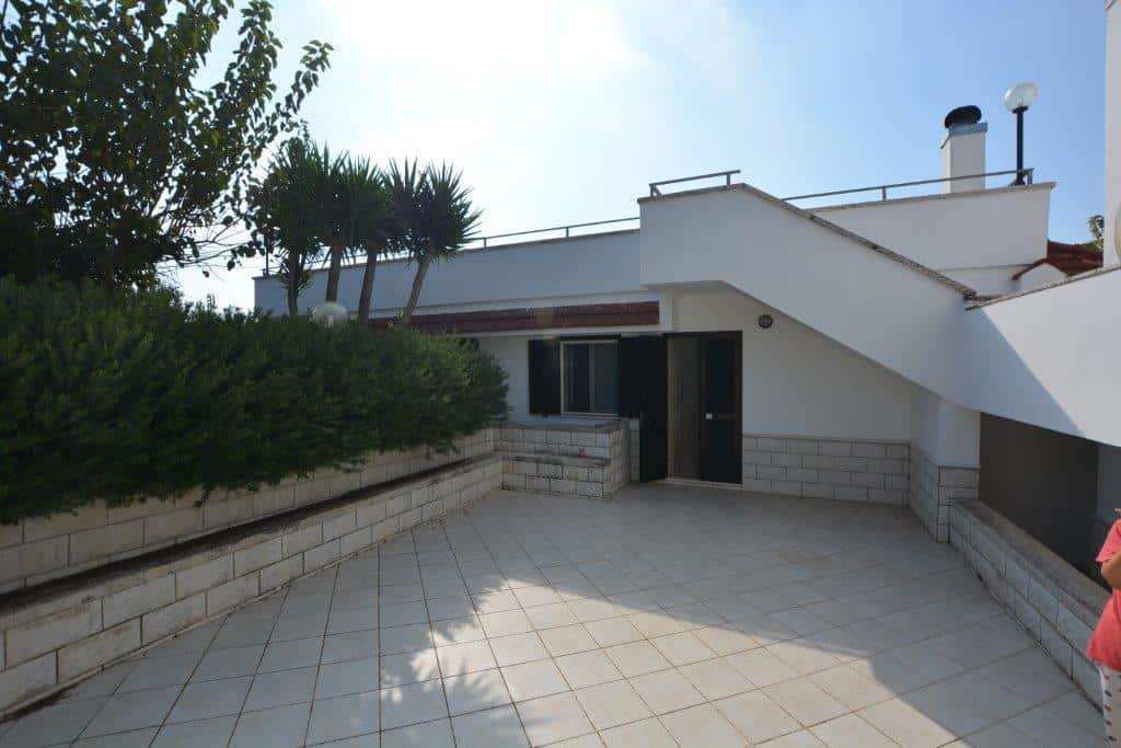 Detached Villa with land near Cisternino