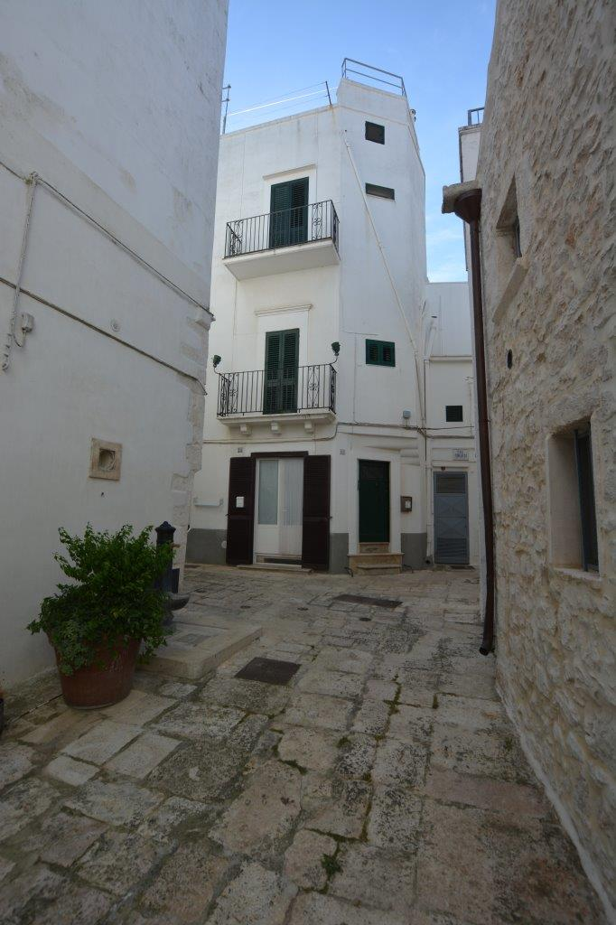 Property in the old Town of Cisternino For Sale